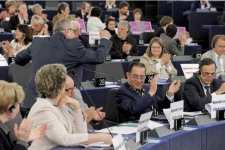 EL Parlamento Europeo aprueba reglas más estrictas contra la evasión fiscal y la financiación del terrorismo