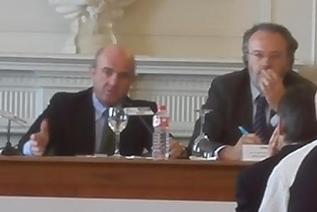 Luis de Guindos confirma que la economía española está creciendo entre el 3,5 y el 4 por 100