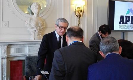 El presidente de Unicaja, Braulio Medel, desvela su sueldo: 570.000 euros anuales